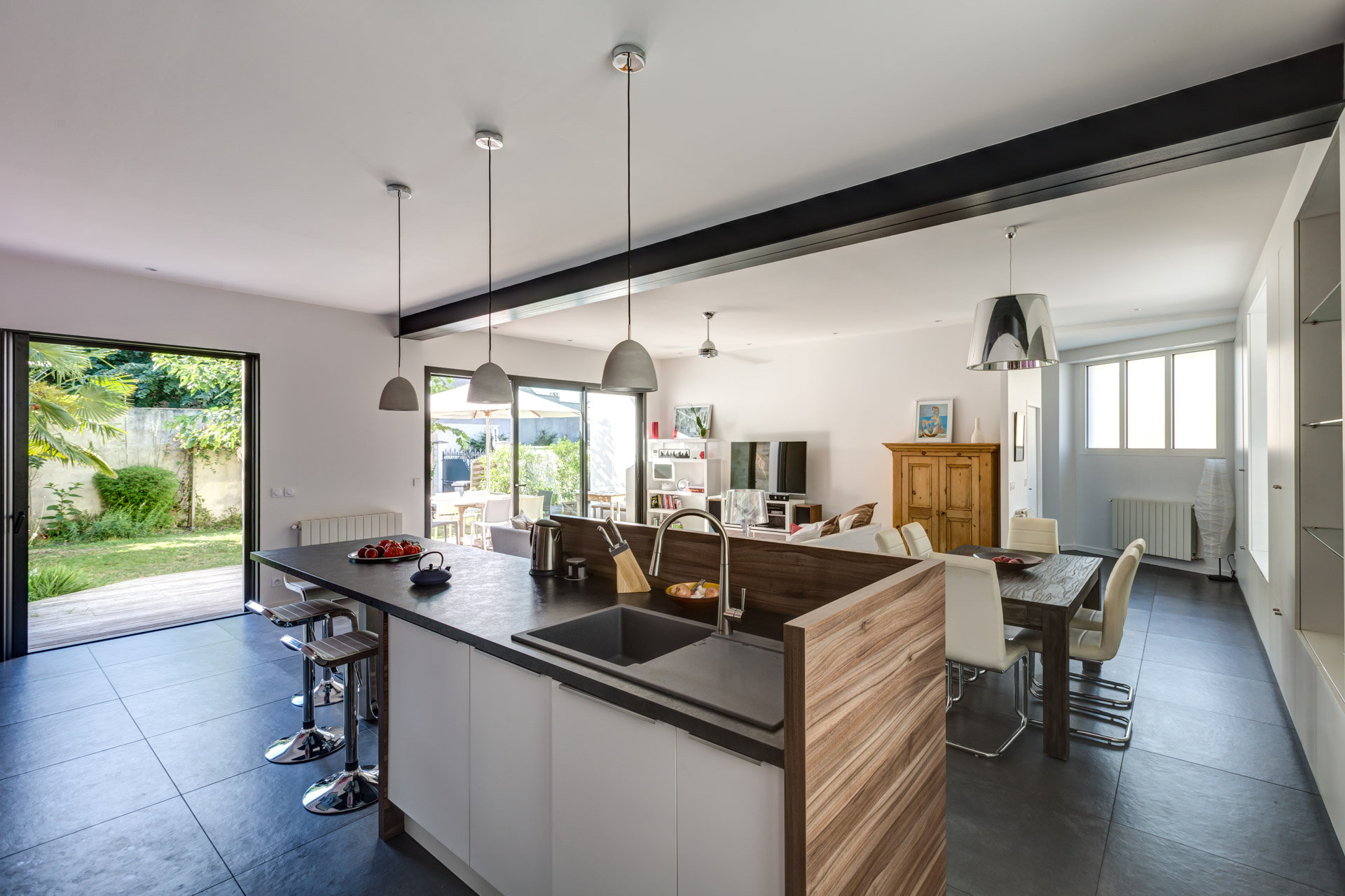 Maison familiale de ville sur jardin expression for Interieur de maison contemporaine